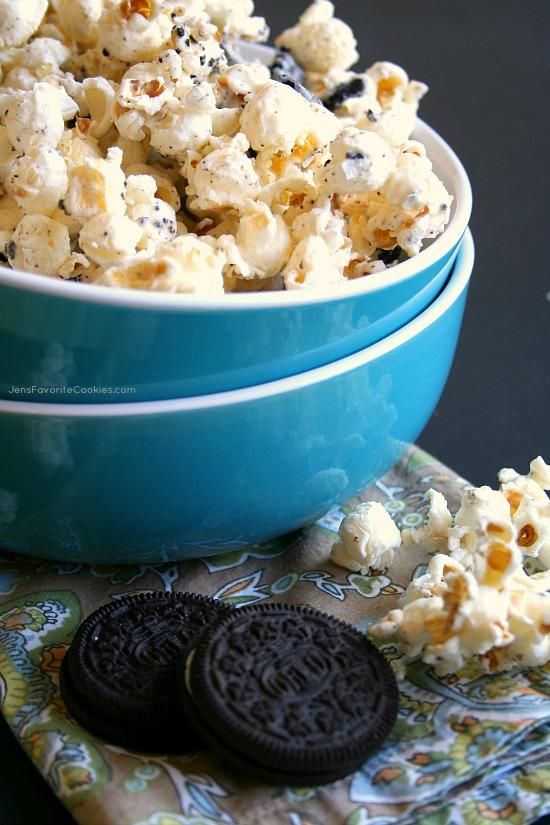 Oreo Popcorn from @JenSto2t Jen's Favorite Cookies