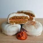 Gingersnap-Pumpkin-Spice-Sandwich-Cookies-1024x687