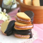 Strawberry-Cream-Sandwich-Cookies-5