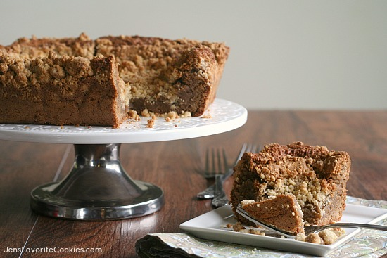 Cinnamon Coffee Cake from JensFavoriteCookies.com  -  with lots and lots of crumb topping!
