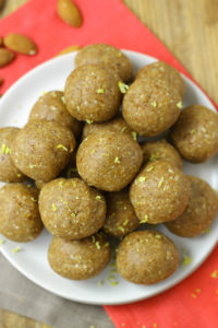 Lemon-Vanilla-Energy-Balls-2