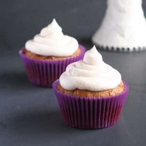 Gingerbread Cupcakes with Chai Spiced Cream Cheese Frosting from JensFavoriteCookies.com for #HoidayFoodParty Christmas!