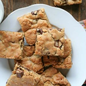 crispy-kit-kat-blondies-5